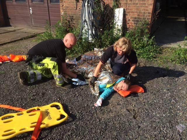 Innsats til pasient med stømskade. FOTO: Bjørn-Tore Løvtangen