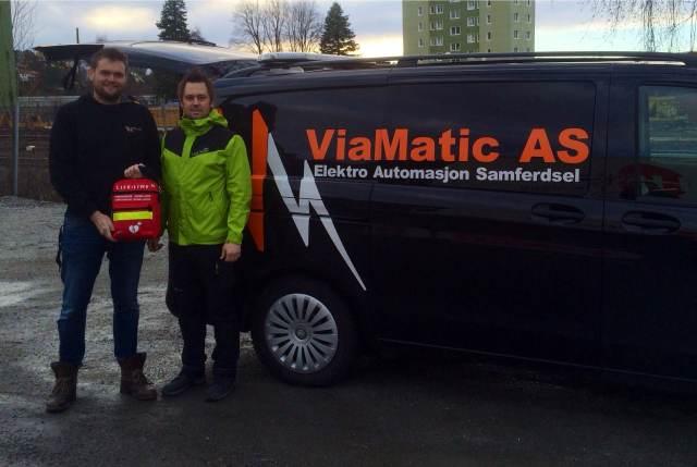 Michael Andresen, daglig leder i Viamatic AS og Bjørn-Tore Løvtangen, daglig leder i 1Aid Norge. BILDE: Henrik Pettersen